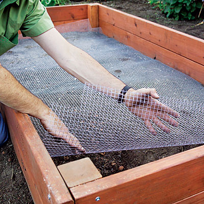 Raised-bed3-lining-l
