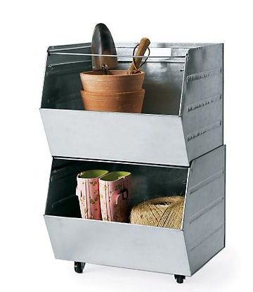Galvanized-stacking-bin-with-casters