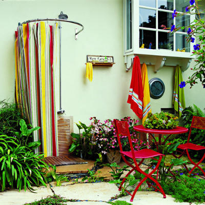 Outdoorshowers-curve-curtain-ss-l